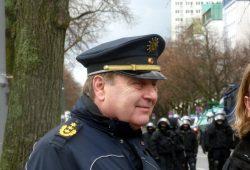 Leipzigs Polizeipräsident Bernd Merbitz war ebenfalls auf den Beinen und vor Ort. Foto: L-IZ.de