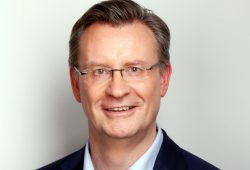 Dr. Jens Katzek ist 1964 geboren und Biochemiker & Geschäftsführer in der Automobilindustrie. Foto: SPD