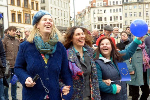 Europa macht auch gute Laune. Hier ua. mit Katharina Krefft (Die Grünen, l.). Foto: Lucas Böhme