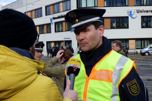 Gefragter Aktivposten der Polizei Pressesprecher Andreas Loepki. Foto: L-IZ.de