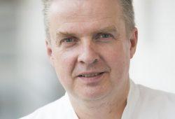 Prof. Tom Lindner, Leiter der Sektion Nephrologie und Ärztlicher Leiter des KfH-Dialysezentrums. Foto: Stefan Straube/UKL