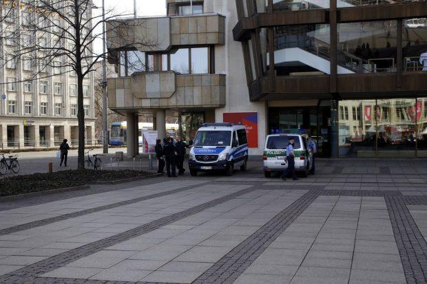 Polizei und Ordnungsamt erhielten kurzfristig eine Absage der Kundgebung. Foto: Alexander Böhm