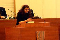 Engagiert und laut: Sinah Al-Mousawi (keine erneute Kandidatur) für das Jugendparlament 2016 im Stadtrat. Foto: L-IZ.de