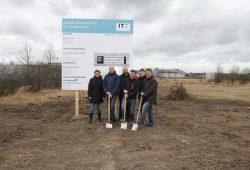 Von li nach re: Antje Holme, Silvio Ruppe, Maik Dittmann, Herr Fröhlich (Fa. Kleusberg), Erik Siegfried, Lutz Friedrich. Foto: IT2 Solutions