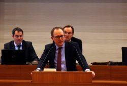 Bürgermeister Ulrich Hörning erklärt, wie die Verwaltung fit bleibt. Foto: L-IZ.de