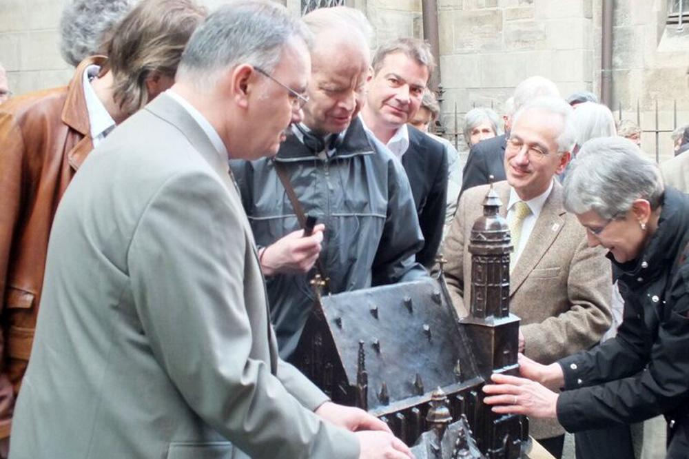 Übergabe des Tastmodells der Thomaskirche. Foto: Verein Thomaskirche – Bach 2000 e.V.