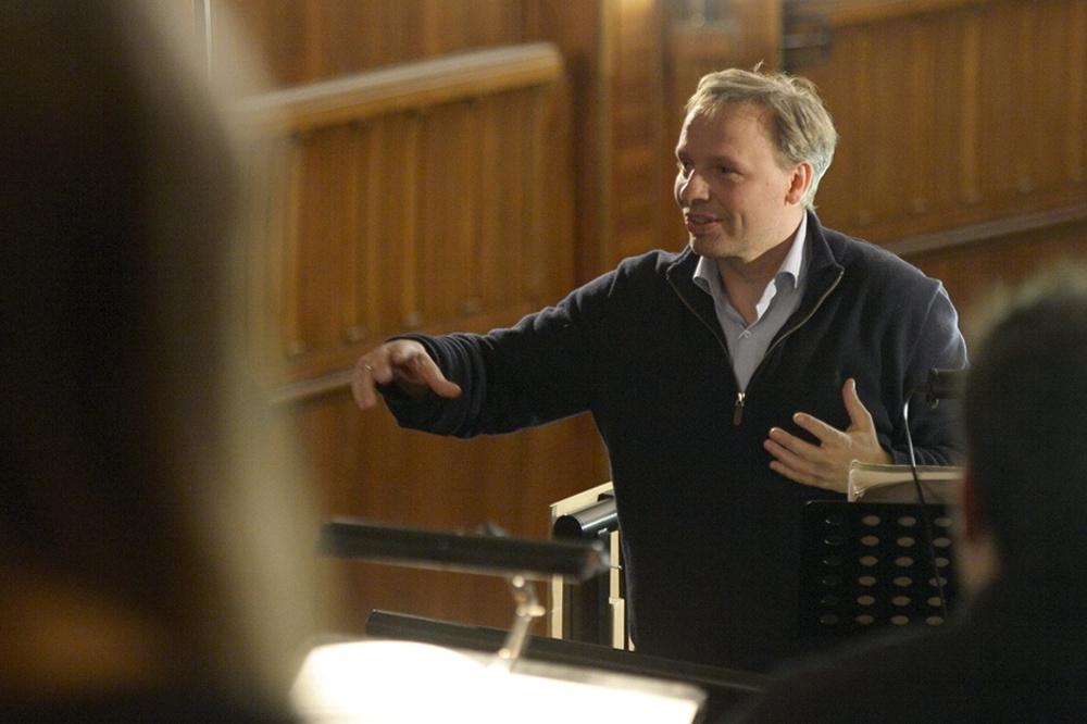 Enrico Lübbe bei der Probe mit dem Gewandhausorchester zur