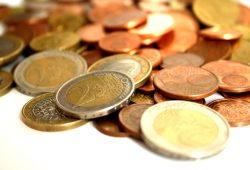Geldströme müssen kontrolliert werden. Foto: Ralf Julke