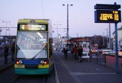 Straßenbahn am Goerdelerring. Foto: Ralf Julke