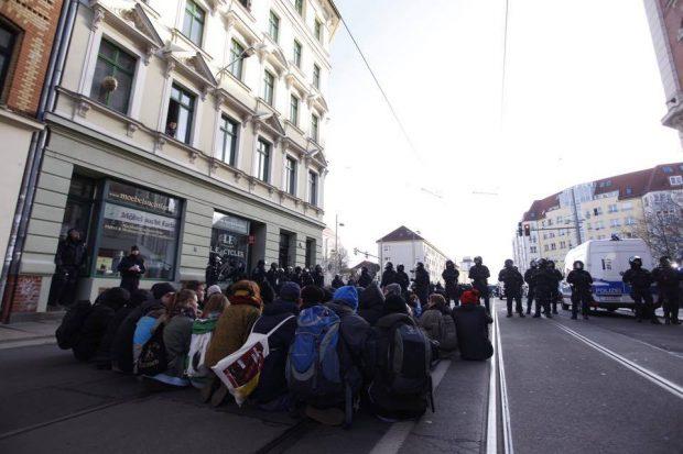 Igel auf der Bernhard-Göhring-Straße am 12. Dezember 2015. Foto: L-IZ.de