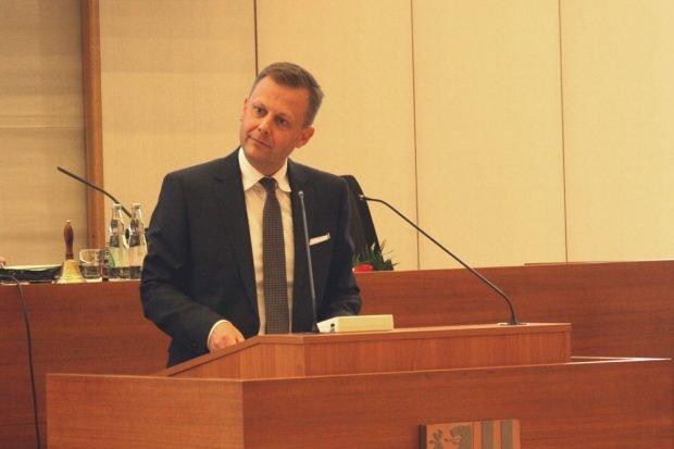 Der Stadtrat hat den amtierenden Finanzbürgermeister Torsten Bonew im Amt bestätigt. Foto: L-IZ.de