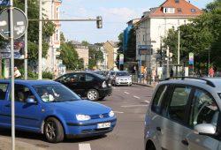 Kfz-Verkehr in der Georg-Schumann-Straße. Foto: Ralf Julke