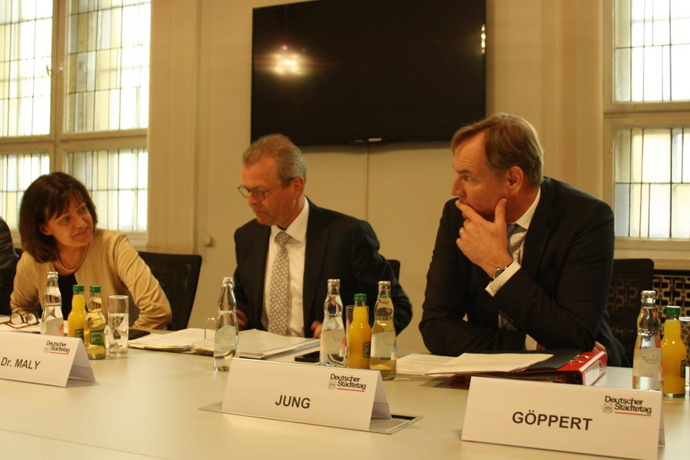 Dr. Eva Lohse, Dr. Ulrich Maly und Burkhard Jung (v.l.). Foto: Ralf Julke