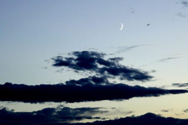 Zumindest hat man dann Zeit, die Mondsichel zu betrachten ... Foto: Ralf Julke