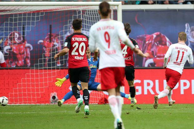 Timo Werner erhöht auf 2:0. Foto: GEPA pictures/Roger Petzsche