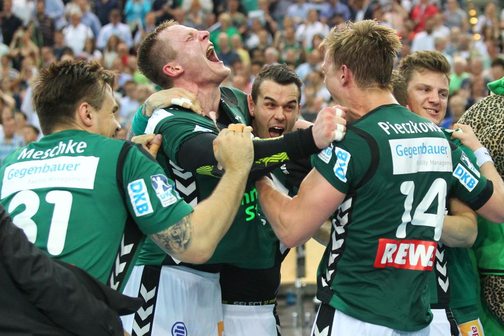 Freudenschrei von Aivis Jurdzs - die DHfK-Handballer schafften gegen Kiel eine kleine Sensation. Foto: Jan Kaefer