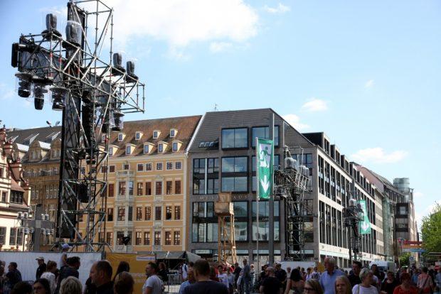 Drei Kreuze machen am Marktplatz