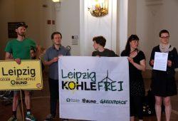 Das Bündnis kurz vor der Briefübergabe im Neuen Rathaus am 17. Mai 2017. Foto: L-IZ.de