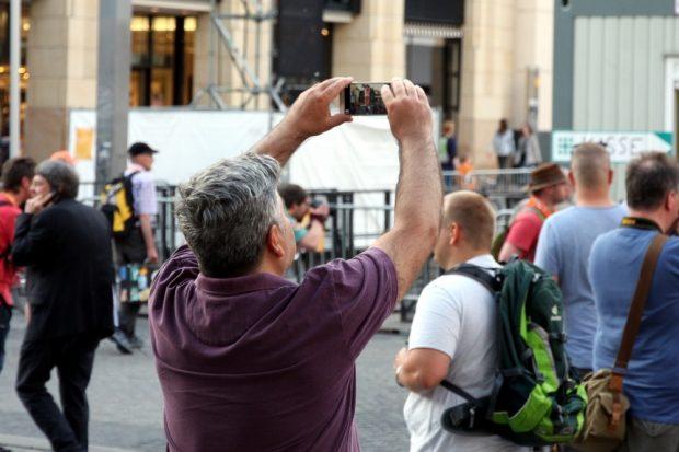 Für die Leipziger ein Erinnerungsstück: Mal schnell Luther fotografieren