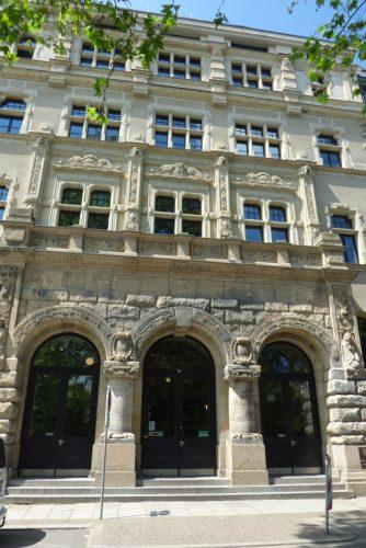 Eingang des Leipziger Amtsgerichts. Foto: Lucas Böhme