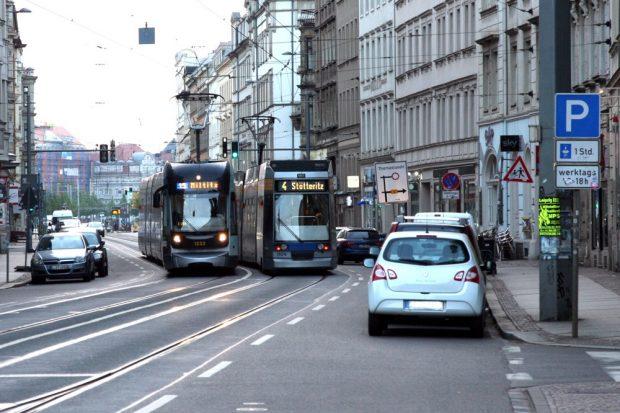 800 Straßenbahnen am Tag, hier um 6 Uhr und alles ist dicht. Foto: LZ