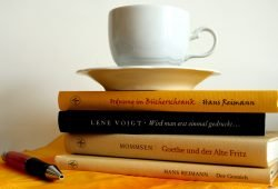 Lesen sorgt für richtig Bewegung im Gehirn. Foto: Ralf Julke