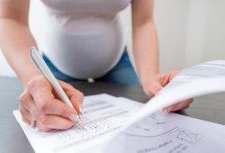 Im Rahmen der Mutter-Kind-Kohorten-Studie LINA untersuchen UFZ-Wissenschaftler Lebensstil und Umweltfaktoren von Schwangeren und deren Einfluss auf das Neugeborenen-Allergierisiko. Foto: UFZ / André Künzelmann