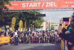 """Start der """"neuseen classics – rund um die Braunkohle"""". Foto: Daniel Stefan, maximalPULS GmbH"""