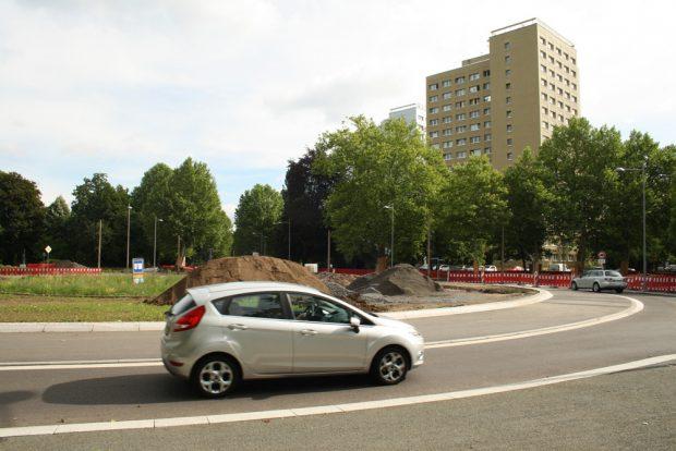 Kreisverkehr in der Karl-Tauchniz-Straße. Archivfoto: Ralf Julke