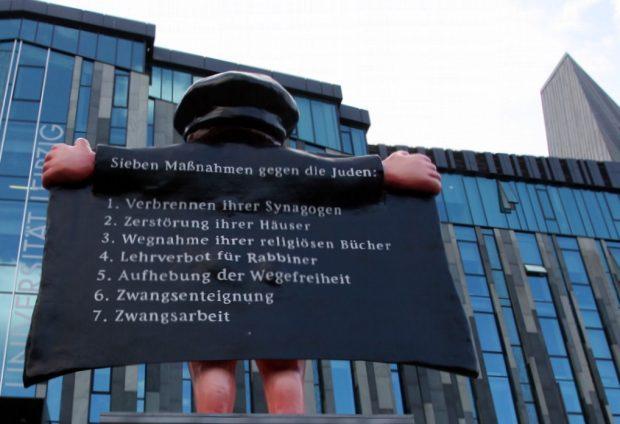 Der alte Luther auf dem Kirchentag in Leipzig. Foto: L-IZ.de