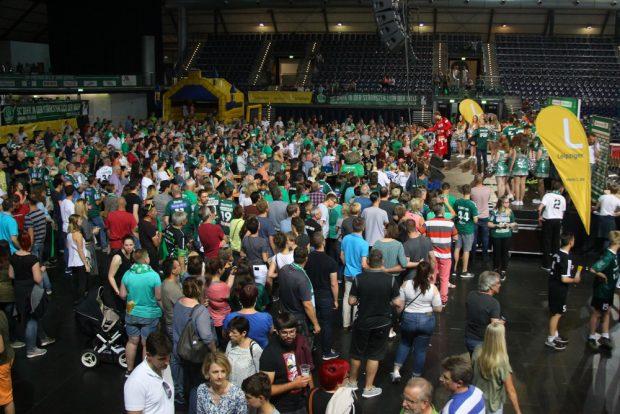 Großer Andrang beim SC DHfK-Fanfest. Foto: Jan Kaefer