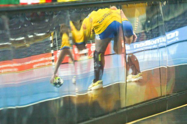 Unklare Zukunft für den HCL: Müssen die Handballerinnen tatsächlich in die 3. Liga runter oder rettet ein Einspruch den Bundesliga-Verbleib? Foto: Jan Kaefer (Archiv)