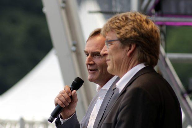 Bürgermeister Burkhard Jung (links) und Gewandhausdirektor Andreas Schulz. Foto: Alexander Böhm