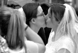 Endlich! Ehe für alle, auch eine Forderung auf dem CSD 2017. Foto: Diana Freydank