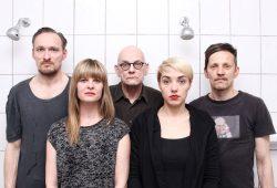 Ensemble Einsame Menschen. Foto: Mathias Schäfer