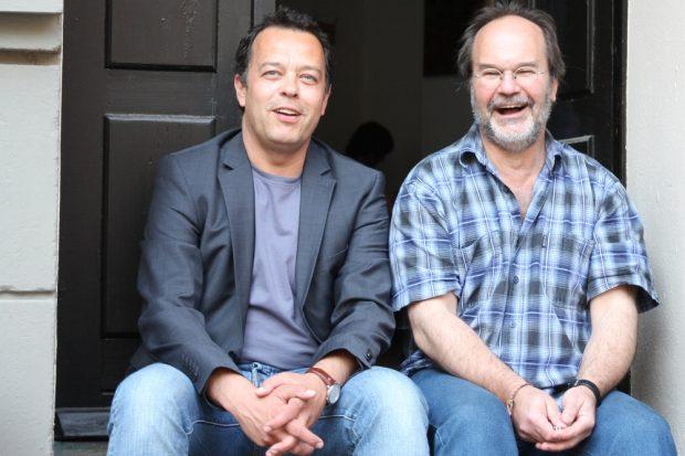 Franz Sodann (MdL, Die Linke) und sein Gast Ronald Blaschke am 31. Mai 2017 gemeinsam für das bedingungslose Grundeinkommen vor dem Bürgerbüro in der Mariannenstraße. Foto: Michel Freitag
