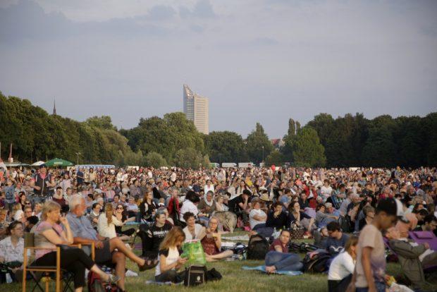 Mehrere Tausend Besucher kamen am Freitagabend. Foto: Alexander Böhm
