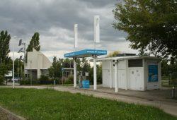 Erdgas-Tankstelle neben dem Eingang zum Stadtwerke-Gelände. Foto: Ralf Julke