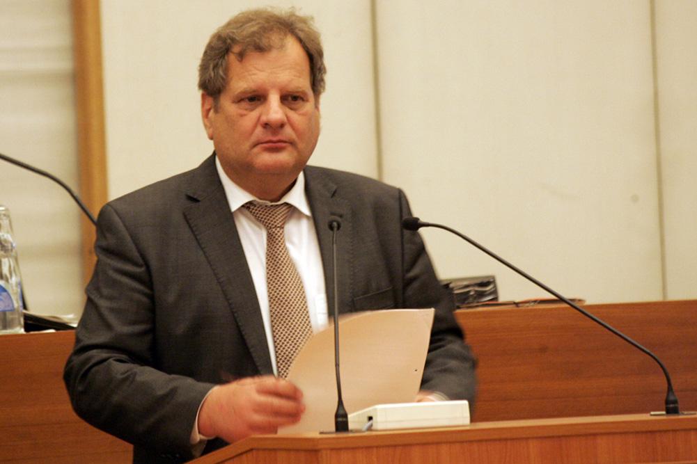Sozialbürgermeister Thomas Fabian im Leipziger Stadtrat. Foto: L-IZ