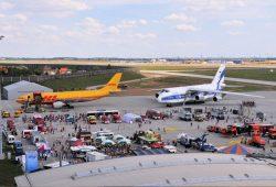 Flugzeug und Technikschau Vorfeld Ost. Foto: Leipzig/Halle Airport Archiv