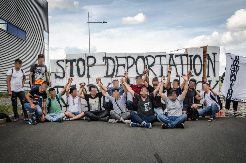 Protest gegen Abschiebungen am Flughafen Leipzig / Halle am 28. Juni 2017. Foto: Aktionsnetzwerk