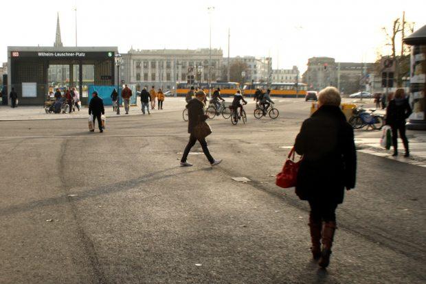 Allein auf der Petersstraße. Foto: Ralf Julke