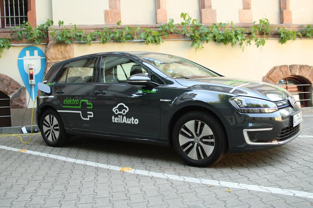 Auch E-Autos gehören zur Flotte des Leipziger Carsharing-Anbieters teilAuto. Foto: Ralf Julke