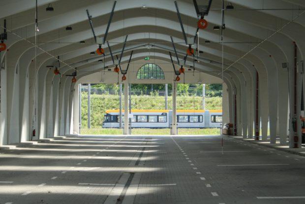 Der XL als Star im Hintergrund der großen Wagenhalle in Dölitz. Foto: Ralf Julke