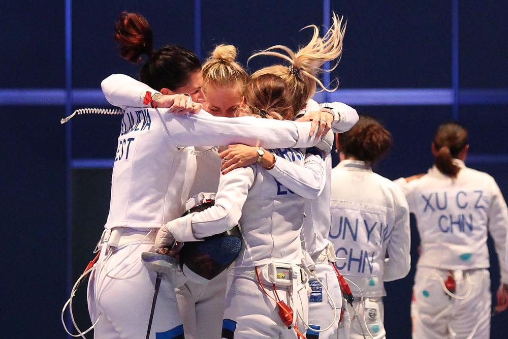 Erst im Sudden Death waren die deutschen Degendamen an Estland gescheitert - die es am Ende sogar bis auf den Weltmeister-Thron schafften. Foto: Jan Kaefer