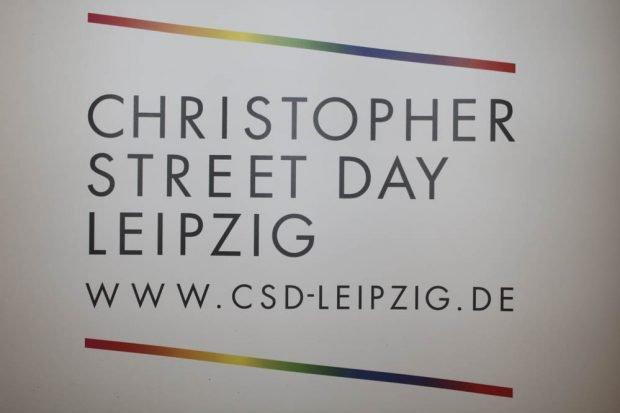 Auftaktveranstaltung des Christopher Street Day 2017 in Leipzig. Foto: Martin Schöler