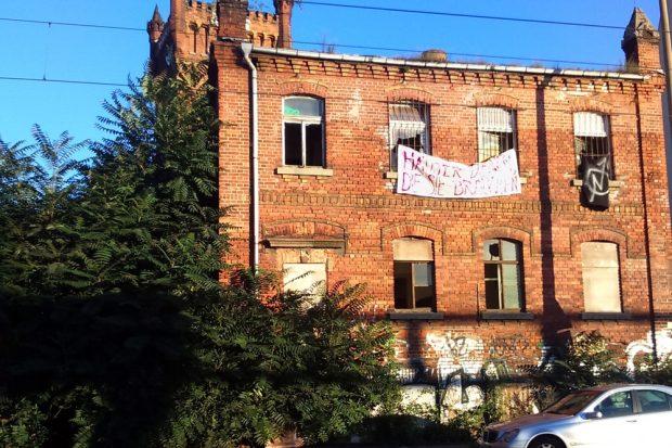 Auch an der Zschocherschen Straße in Plagwitz wehten heute auf einmal Banner. Foto: Squat Support LE
