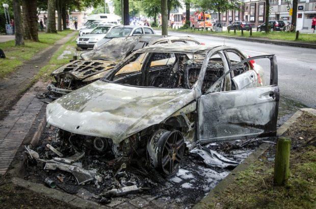 Ausgebrannte Autos in Hamburg Altona. Foto: Tim Wagner