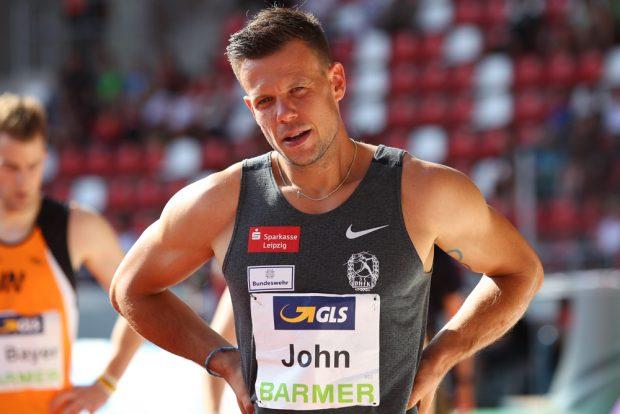 Bitter: Alexander John musste nach einem Fehlstart im Hürdenfinale alle Medaillenträume begraben. Foto: Jan Kaefer