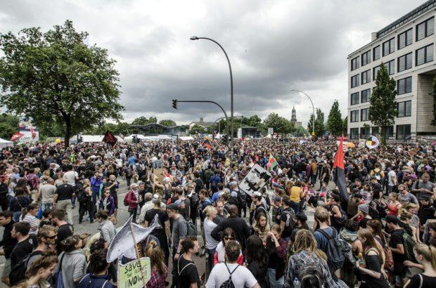 Übersichtsfoto von Teilen der Demonstration am Abschlussort. Foto: Tim Wagner